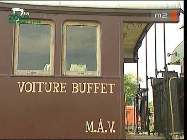 Az ún. százéves vonat étkezőkocsija