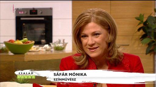 Sáfár Mónika, szÍnművész