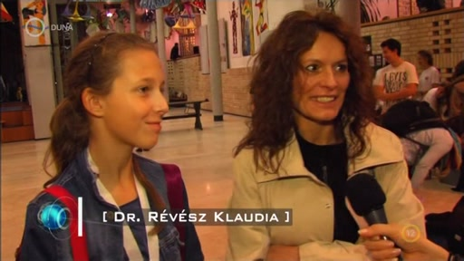 Dr. révész Klaudia [jobbra]