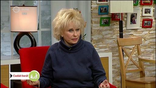 Esztergályos Cecília, Jászai Mari-díjas színművész, kiváló és érdemes művész